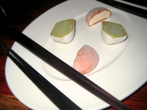 Green tea and tiramisu mochi ice cream